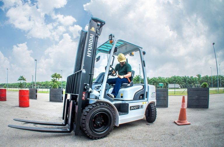 3 Things You Should Know Before Operating a Forklift